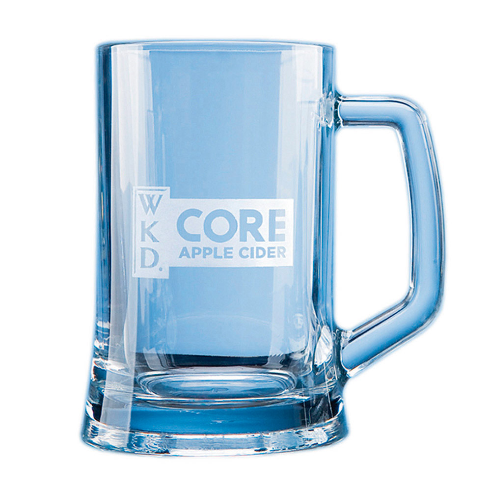 This elegant durable tankard can be engraved with any crest, logo or wording to create a unique gift. It is supplied in a blue f